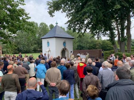 Inhuldiging kapel in gerestaureerd tuinprieel